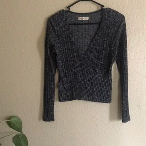 Hollister wrap around long sleeve